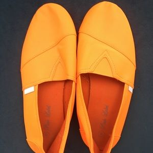 Neon Orange off-brand Toms